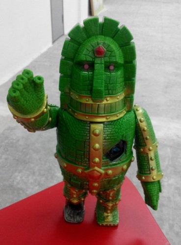 Moai robot - green