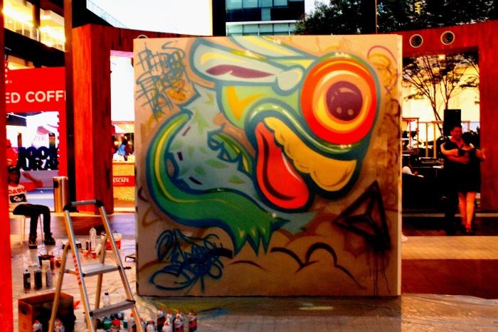 Whooop - Street art - CAFFA 2013 -Publika 6