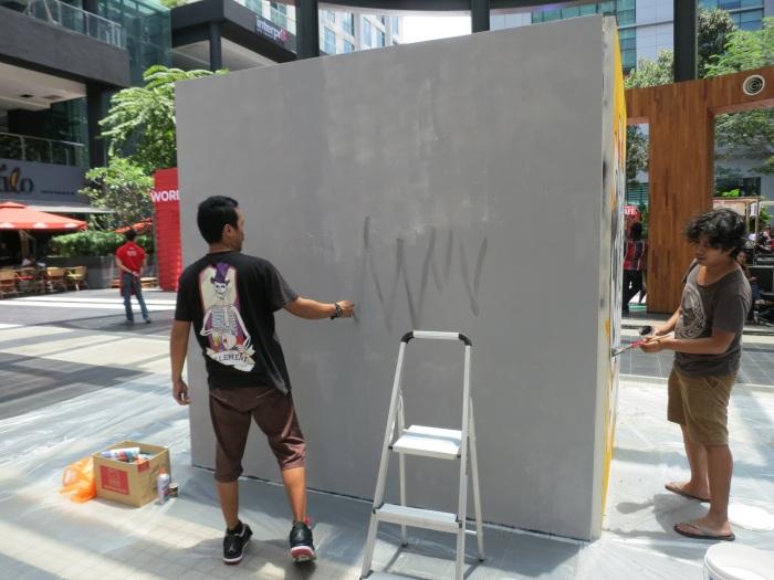 Whooop - Street art - CAFFA 2013 -Publika